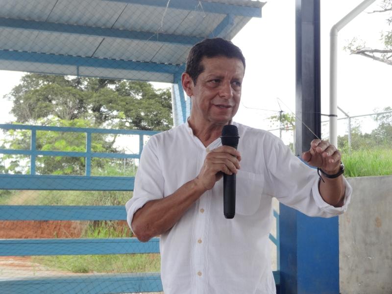 Allen Cordero Ulate, director de la Escuela de Sociología, fue una de las autoridades universitarias que se sumó a este gran encuentro con la población de Brörán. En su intervención enfatizó la apertura de la UCR para escuchar como un primer paso para crear un vínculo estrecho entre ambas partes.