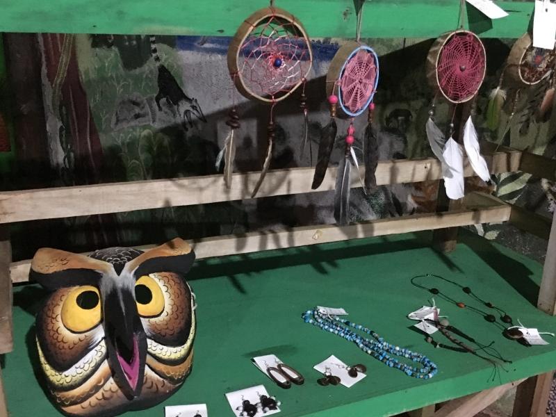 La animalística es un tema recurrente en el arte indígena costarricense. Los búhos y lechuzas son especies comunes en el territorio boscoso Bröran.