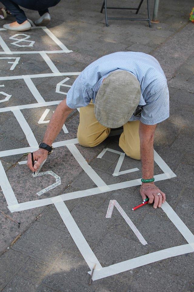 """Juegos tradicionales también formaron parte de la """"casa sin paredes""""."""