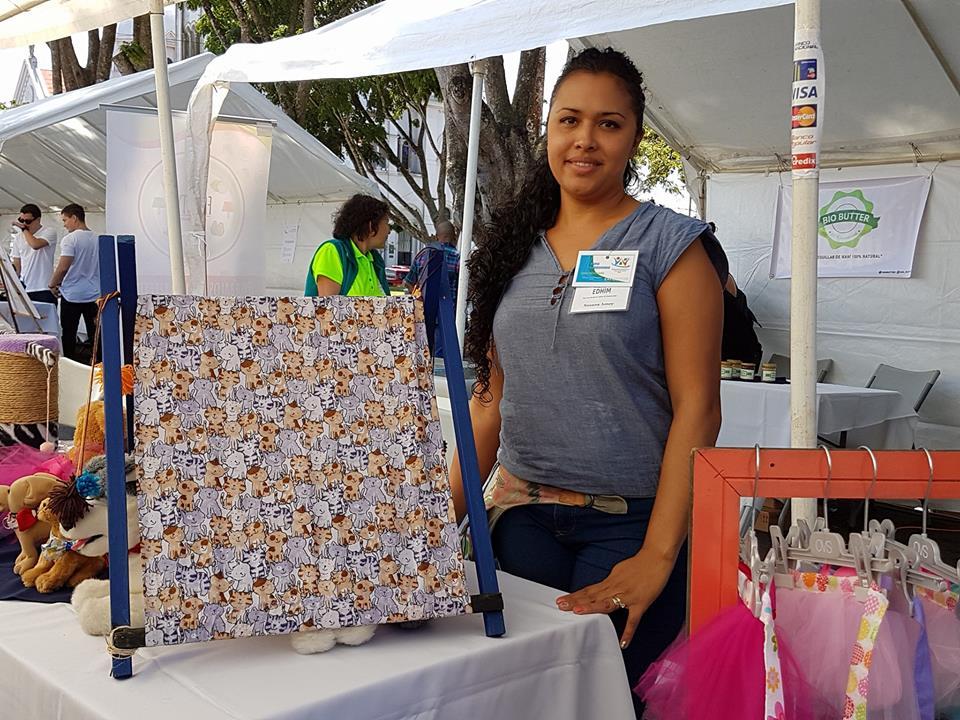 Participación en la Feria de Emprendedoras. Foto por: Mariam Vargas Rodríguez.