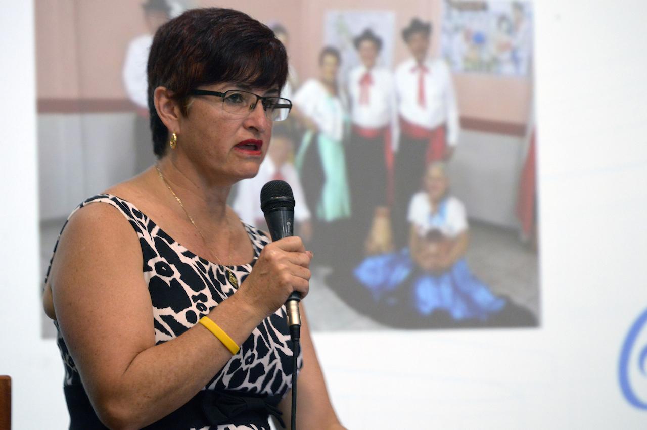 """El grupo de folclore del proyecto EC-256: Grupo de bailes y proyección folclórica de personas adultas mayores """"Al Son de la Vida"""" está integrado por 42 personas. Fotografía: Laura Camila Suárez"""