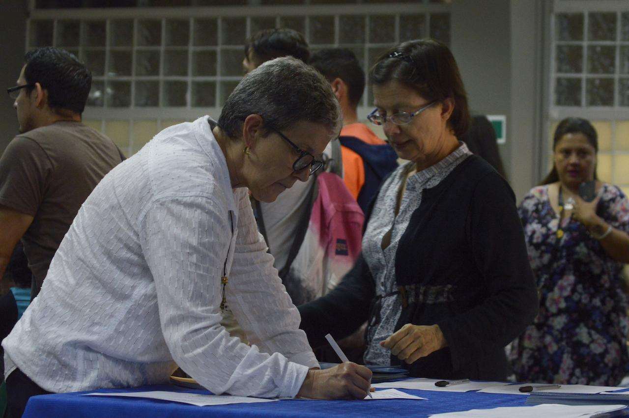 Registro de asistentes, I Jornada de Difusión de la Investigación, la Acción Social la Docencia y Expoinvestigación. Fotografía: Laura Camila Suárez