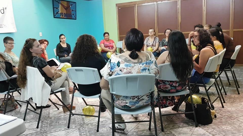 Red de Mujeres. Delimitación de ejes formativos. Tomada por Mariam Vargas Rodríguez.