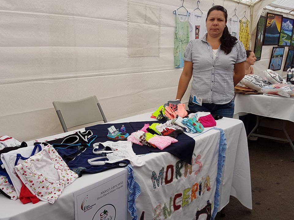 Participación en la Feria de Emprendedoras de San Ramón. Foto por Mariam Vargas.