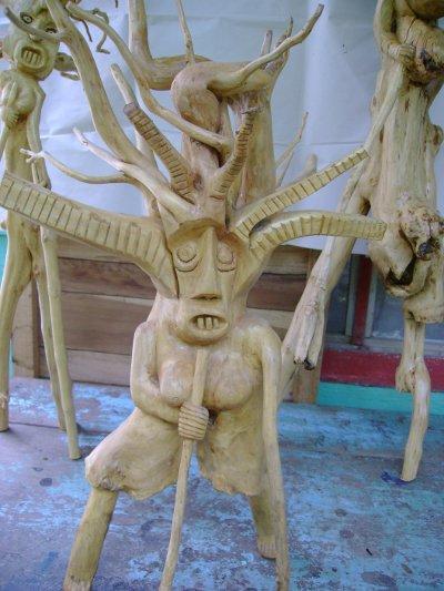 Escultura de Saúl Obando.