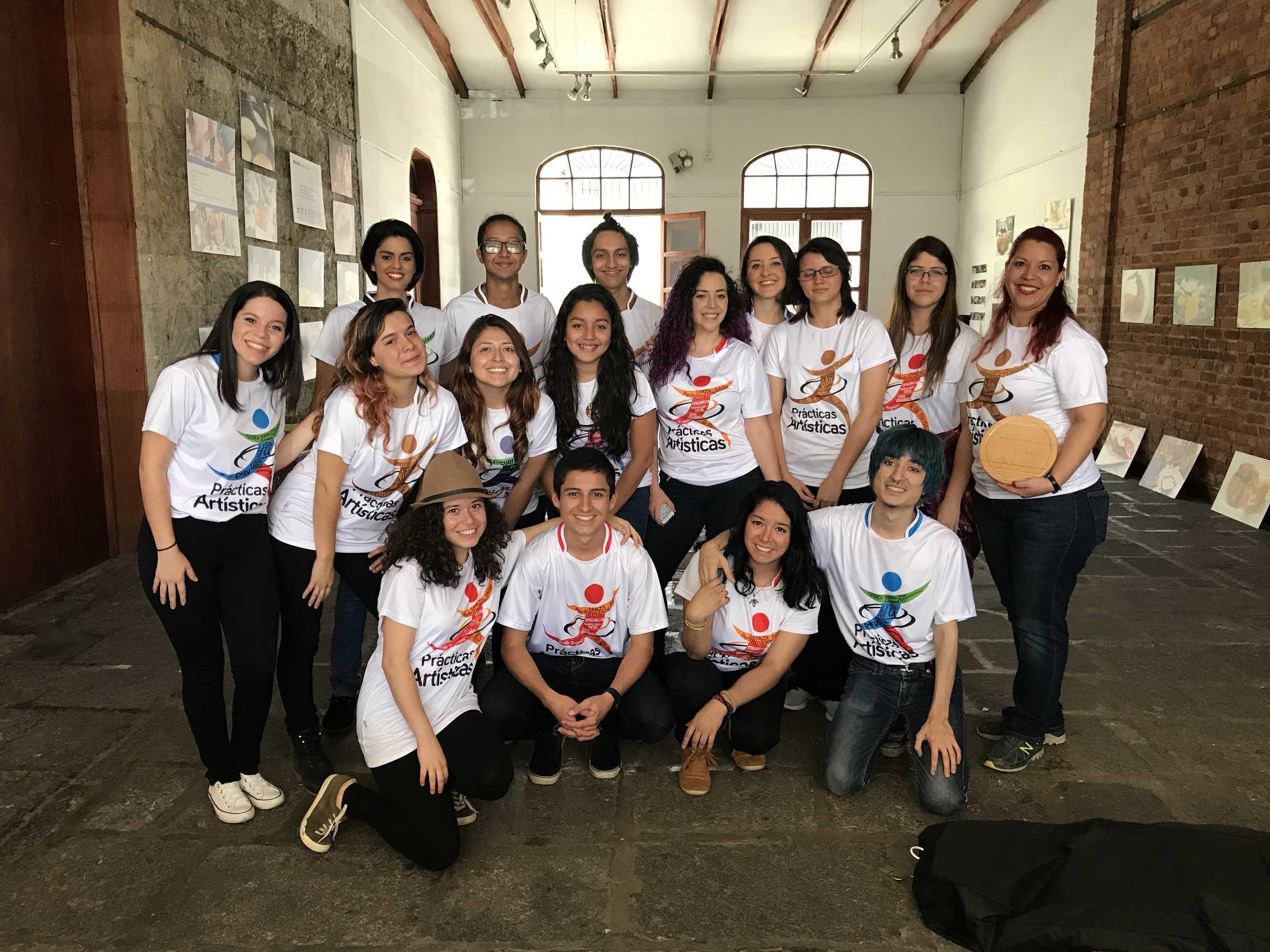 Dentro de la actividades estuvo la participación del grupo de teatro representativo de la UCR Girasol.