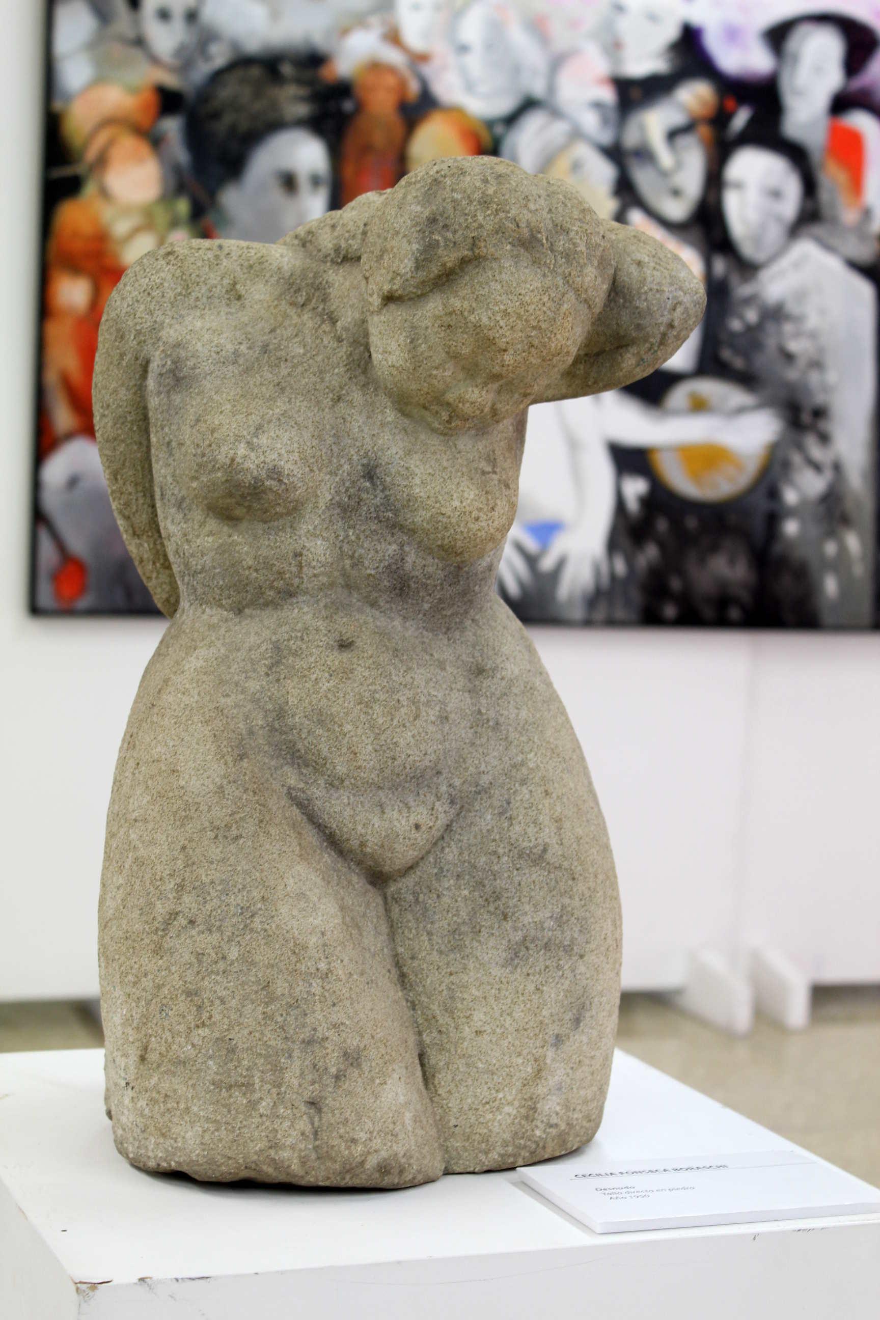 """Obra de Cecilia Fonseca Boraschi, llamada """"Desnudo"""", técnica de Talla directa en piedra, año 1950. Fotografía: Adriana Araya."""