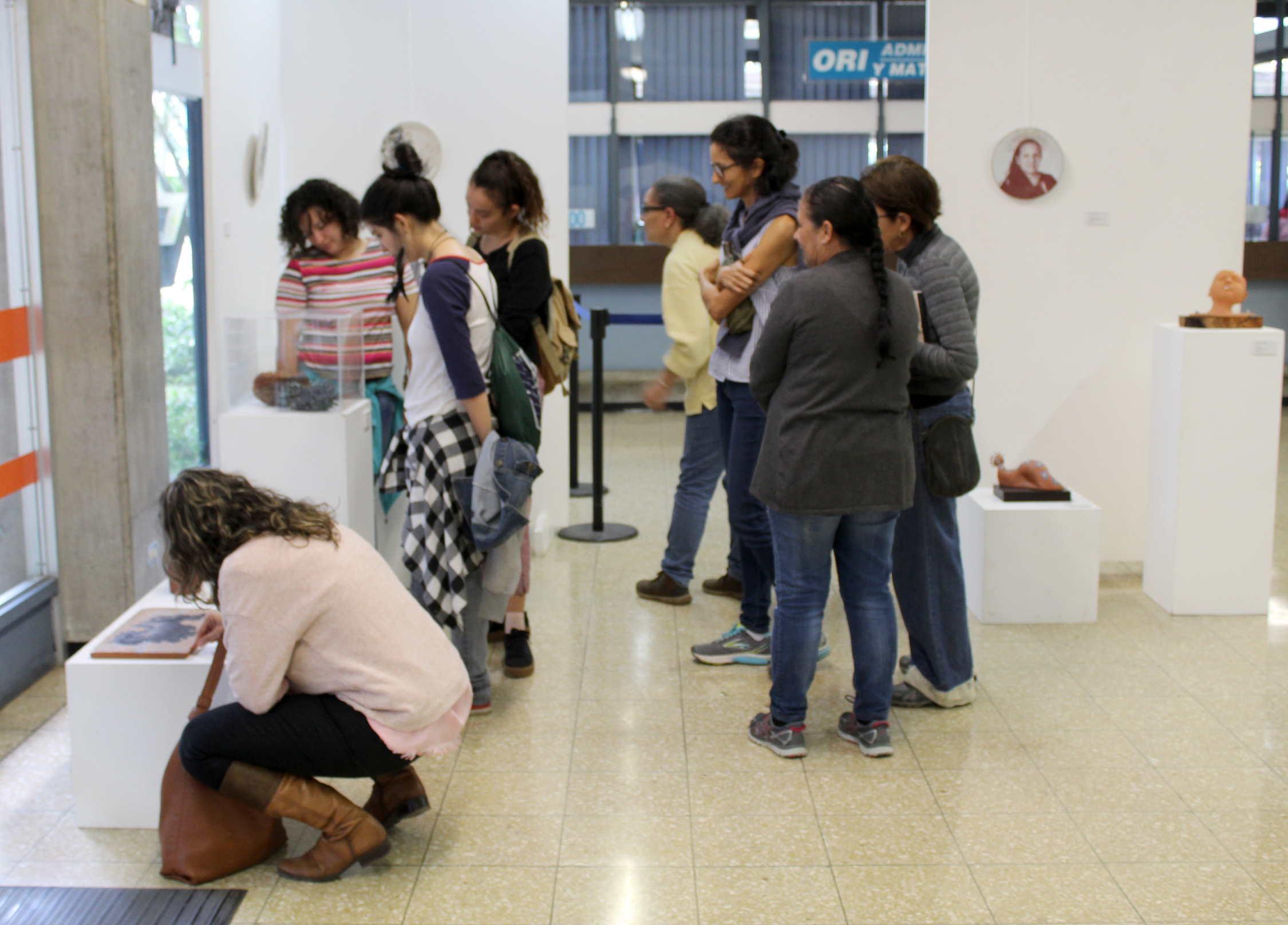 La carrera de Cerámica en el 120 aniversario de la fundación de la Escuela de Artes Plásticas.Fotografía: Adriana Araya estará en el Véstibulo del Edificio Administrativo A hasta el 7 de setiembre