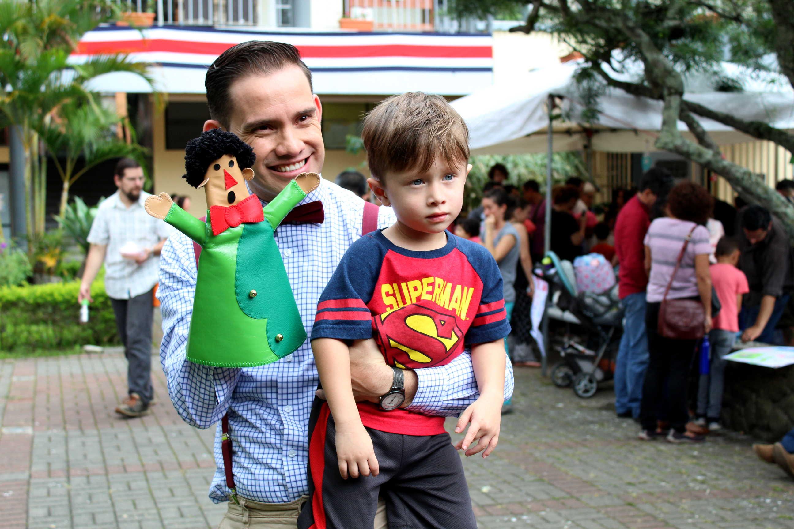 Estudiantes de Artes Dramaticas compartieron con los niños y las niñas en el Festival Titeretandas