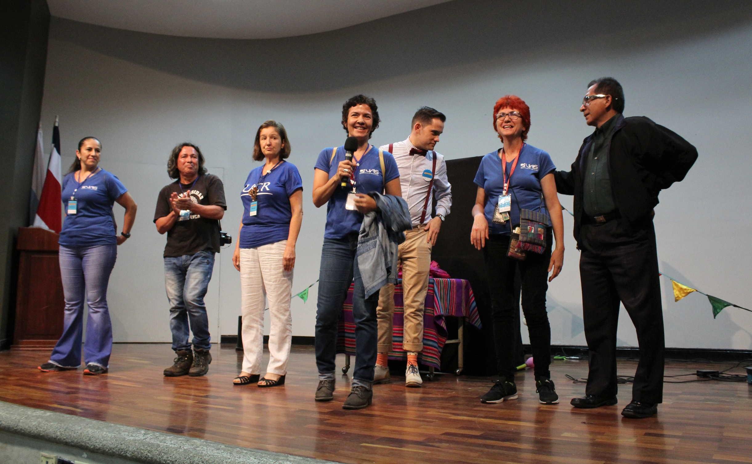 Parte del equipo organizador de Títere-tandas compuesto por compañeros de Extensión Cultural y la Vicerrectoría de Acción Social, hicieron posible la primera edición de este festival para celebrar a los niños y las niñas de Costa Rica.