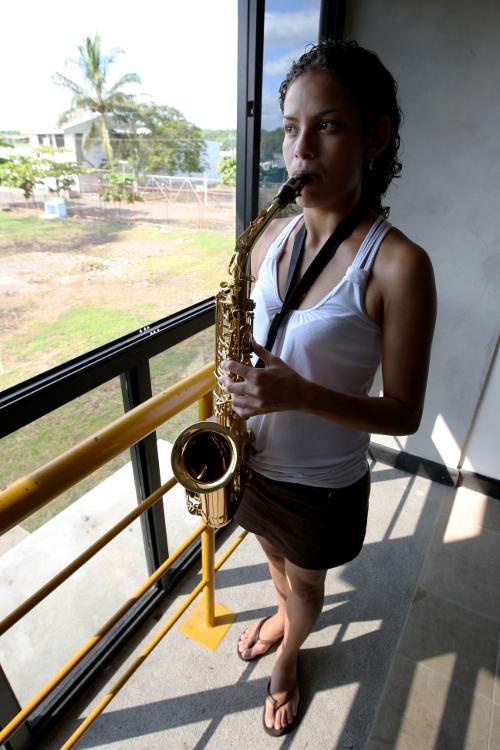 Saxsofonista EBM Puntarenas.