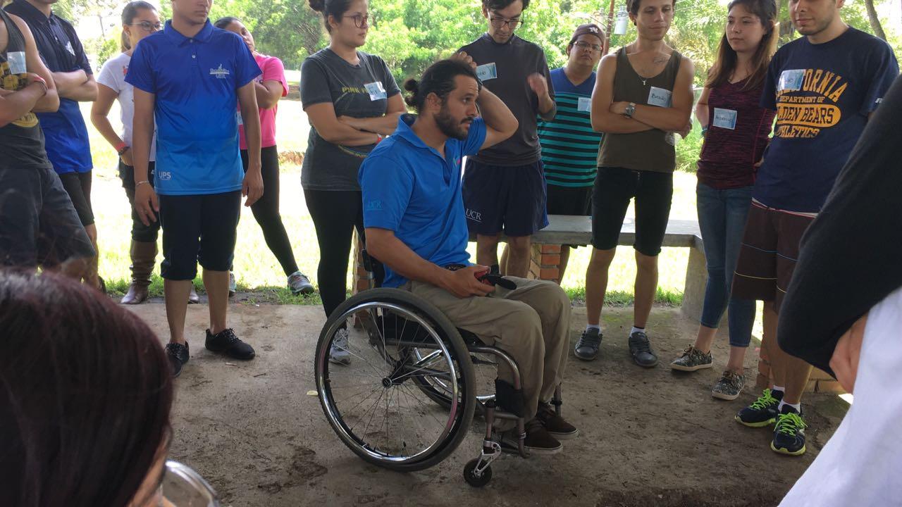 Juan Manuel Camacho de la Oficina de Bienestar y Salud organiza actividad.