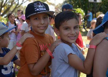 En los Campamentos de Desarrollo Humano los niños y niñas tienen la oportunidad de compartir con sus semejantes, jugar y aprender en un ambiente de sana convivencia (foto Laura Rodríguez).