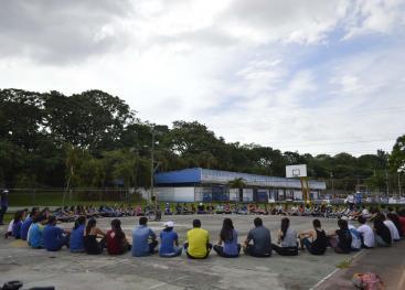 El Circuito: el reto de las prácticas saludables se desarrolló en las Instalaciones Deportivas de la Universidad de Costa Rica con la participación de asesores/as de Extensión Docente, Extensión Cultural, Trabajo Comunal Universitario e Iniciativas Estudiantiles, además de decenas de estudiantes de diversos proyectos de TCU. Foto: Jafeth Mora