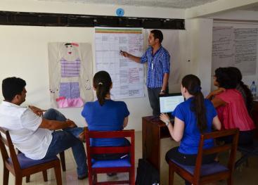 La iniciativa incluye seis visitas de las cuáles ya se han realizado cinco. En ellas han participado funcionarios de Acción Social, docentes y administrativos. (Foto: Claudia Castro.)