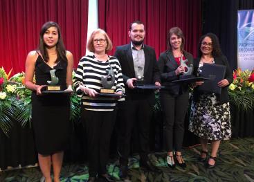 Profesionales y estudiantes de la UCR son premiados por el Colegio de Periodistas. Foto: COLPER.