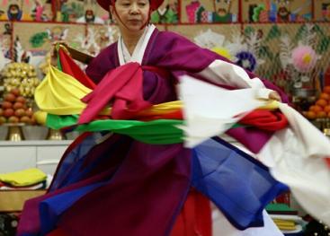 El chamanismo representa un valor artístico y cultural de alto nivel y ha sido declarado patrimonio cultural intangible por parte de la UNESCO