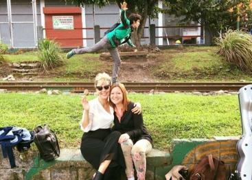 Susan Campos junto Elena Zúñiga Escobar  creando nuevos caminos