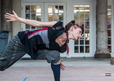 Veronica Monestel, de la Compañía de Danza Universitaria, presentó el pasado mes de setiembre, en el Instituto de Investigación en Artes, una sistematización del trabajo realizado en el 2011 en el Colegio Vargas Calvo