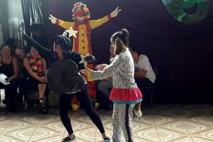Los estudiantes de la Escuela Calle Naranjo, de Concepción, disfrutaron las presentaciones. Fotografía Sandra Navarro