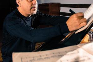 Premio Nacional en Composición Aquileo Echeverría (2007)