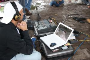 Sebastián Avendaño, técnico de grabación, realizó el registro del programa.