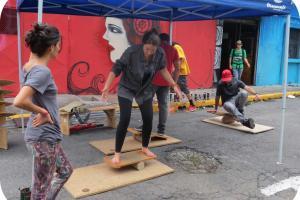 """El proyecto """"Disfrutando la amargura"""" crea un bulevar temporal una vez al mes en La Calle."""