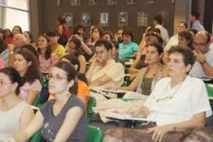El auditorio de la Facultad de Educación se llenó en su totalidad durante el Foro.