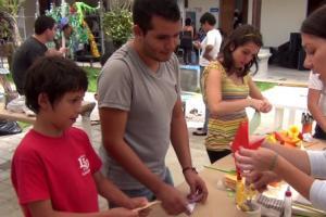 La personas que visitaron el museo aprendieron el arte del Origami. Fotografías: Wainer Méndez.