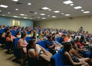 La convocatoria de la actividad fue exitosa, la gran afluencia de mujeres al programa, habla de sus resultados. Foto: Rebeca Gu.