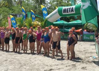 La organización Open Sean lleva 4 años convocando la población adulta mayor a sus eventos especiales. Foto por: Maribel Matamoros.