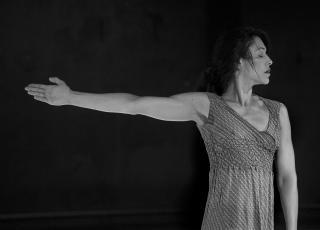 El espectáculo Memorias de un instante de la coreógrafa y directora de Danza Universitaria Gloriana Retana,la entrada es gratuita