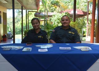 La Fuerza Pública estuvo presente con un stand informativo y con la móvil de atención policial. Fotografía por Mariana Arce.
