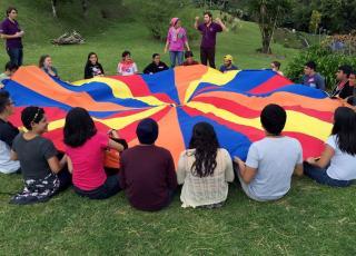 El Programa de Liderazgo con Desarrollo Humano es coordinado por la Vicerrectoría de Acción Social e involucra a jóvenes en distintas comunidades. Foto archivo ODI.