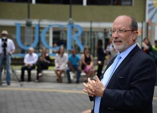 El rector Henning Jensen opinó que la Reforma de Córdoba aún tiene gran vigencia en América Latina, ya que las universidades públicas de la región mantienen un fuerte compromiso social. Foto archivo ODI.