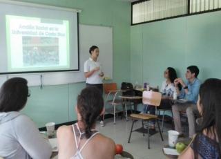 Como parte del proceso de reflexión, la ENu realizó un taller con sus estudiantes de trabajo comunal el pasado 21 de setiembre.  Foto cortesía ENu.