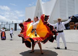 El desarrollo cultural es una de las prioridades de las universidades públicas costarricenses. En la imagen aparece la Compañía de Danza Huanacaxtle, de la Sede Guanacaste. Foto archivo ODI.