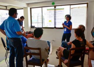 Unas de las principales inquietudes expresadas en las sedes fueron las relacionadas con los trámites que deben pasar para desarrollar sus proyectos y que en ocasiones obstaculizan su trabajo. (Foto: Claudia Castro.)