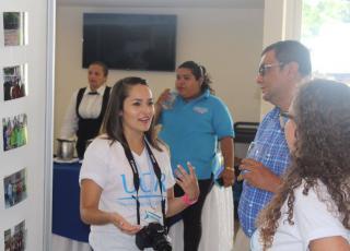 Las y los estudiantes compartieron experiencias con las personas asistentes al Congreso. Foto: Michelle Bogantes Sotela y Francisco Rugama Flores.