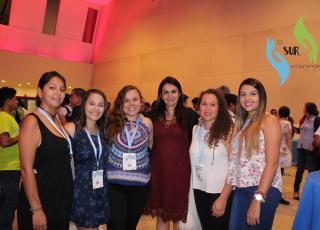 La vicerrectora de Acción Social M.L. Marjorie Jiménez Castro también participó en el Congreso e intercambió criterios con las y los estudiantes del TC-657. Foto: Michelle Bogantes Sotela y Francisco Rugama Flores.