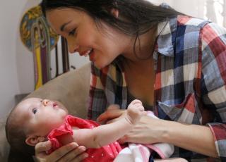 En estos momentos, se realiza el primer audiovisual sobre la lactancia materna para aportar conocimiento sobre cómo solventar los obstáculos más frecuentes en la práctica del amamantamiento. Fotografía Adriana Araya Ch.