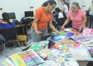 La Escuela de Lenguas Modernas llega a las escuelas costarricenses con materiales didácticos creados por estudiantes universitarios para aumentar los recursos docentes en la enseñanza-aprendizaje de idiomas extranjeros. Foto Andrick Drummond-TC 501.