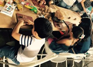 Personas de todas las edades disfrutaron de las actividades que se desarrollaron durante las Jornadas de Acción Social. Foto por: Hazel González.