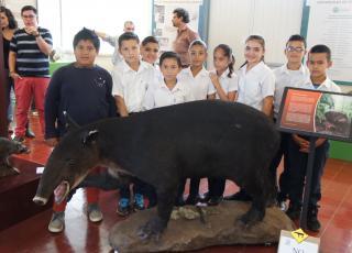 Estudiantes de la Escuela Azul de Turrialba, asistieron a la inauguración. Foto: Cristian Esquivel
