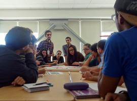 Reunión de responsables y asesores. Fotografía: Archivo de Iniciativas Estudiantiles.